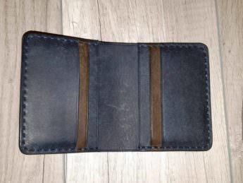 Портмоне из натуральной кожи Bi-Fold Petrolio 9х10,5 см